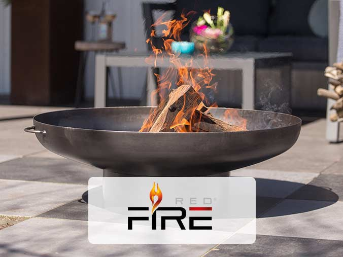 Outdoor fire pit from RedFire